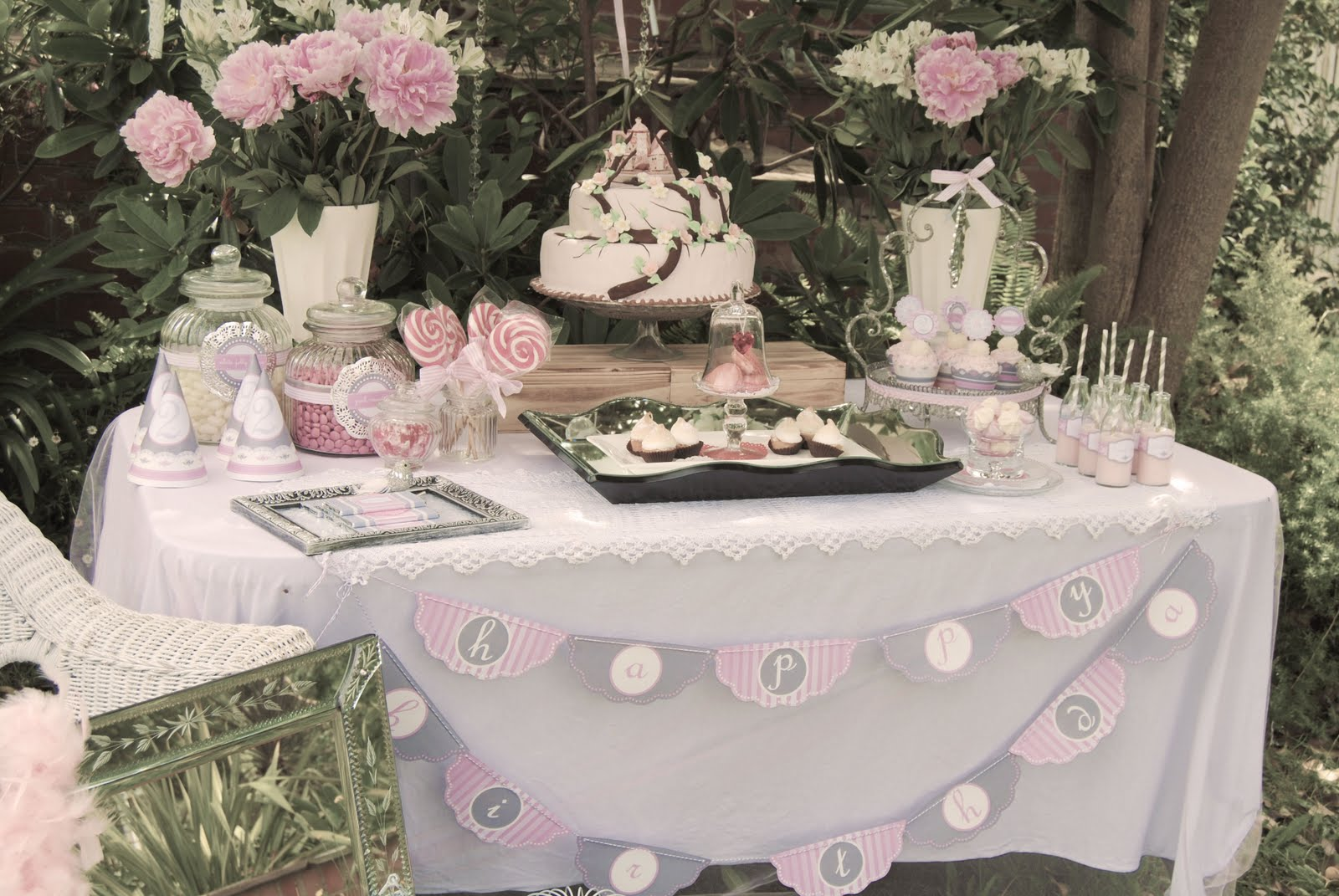 One lovely day vintage chic high tea for Afternoon tea decoration ideas