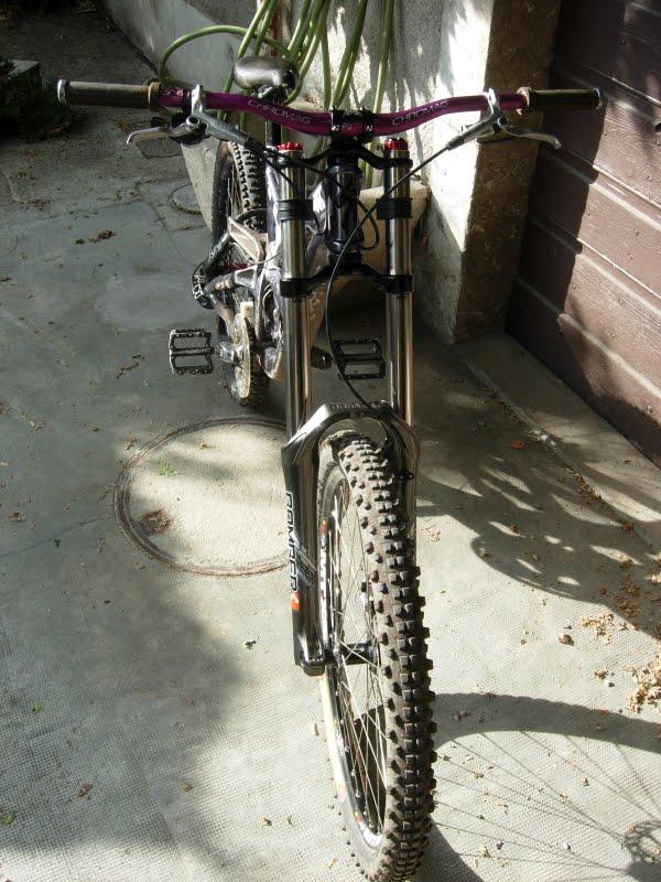 Photos de vos bikes,c'est ici! - Page 15 DSCN9100