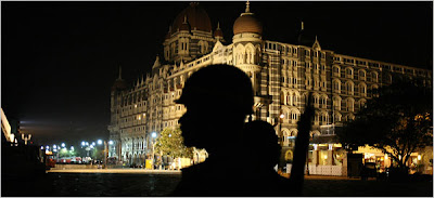 Policeman outside Taj Mahal hotel in Mumbai. November 27, 2008. photo Sajjad Qayyum/Agence France-Presse - Getty Images.
