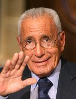 محمد حسنين هيكل: أسوأ ما في مصر يحاول الآن بشراسة أن يقتل أنبل ما فيها