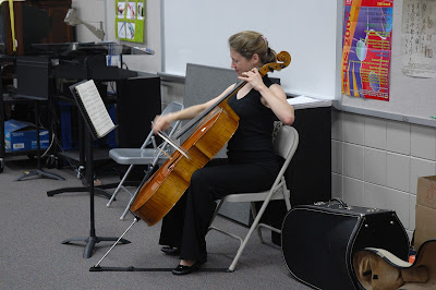 MSO Cello Fellow Performs for Middle School 1
