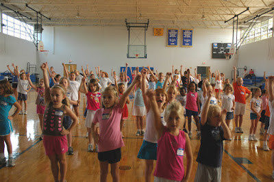 Montgomery Catholic Varsity Cheerleaders Host Cheerleading Camp 1