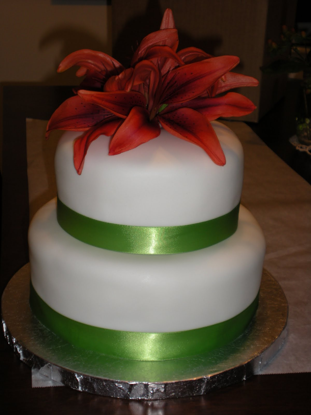 Images Of Small Cake : Cakes, Cookies and Curries: A Small Wedding Cake