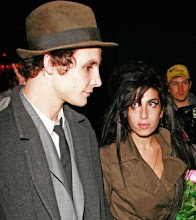 Paris Snubs Amy Winehouse