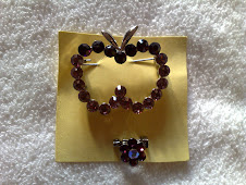 BROOCH APPLE