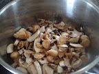 Pui cu smantana si ciuperci preparare reteta