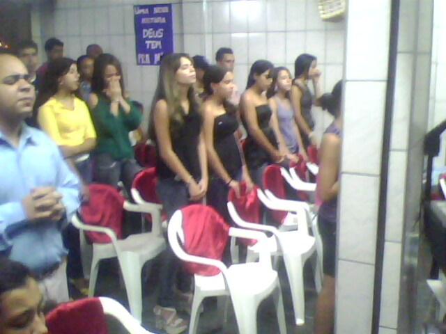 GADITAS DE JEOVA A SERVIÇO DO REINO.