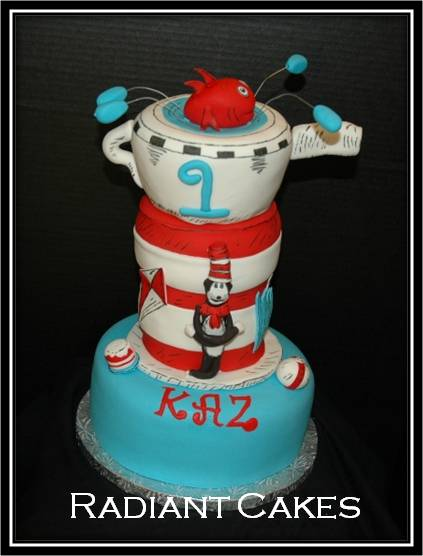 Cat In A Hat. The Cat in the Hat Cake: