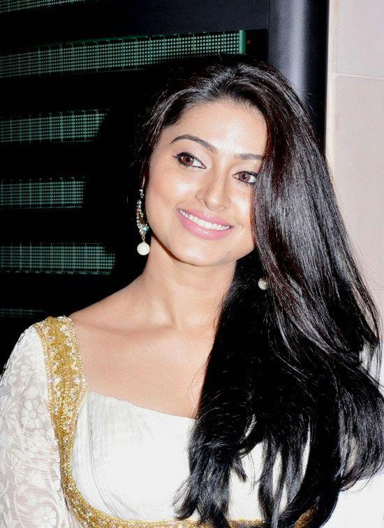Cute Sneha in White Churidar Salwar Kameez, Latest Designer Salwar Kameez glamour  images