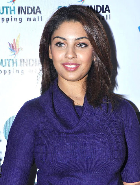 Tollywood Actress Richa Gangopadhyay New Pics Gallery glamour images