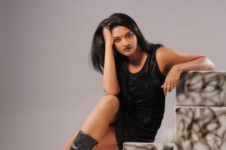 Vimala Raman New Hot Photoshoot gallery cleavage