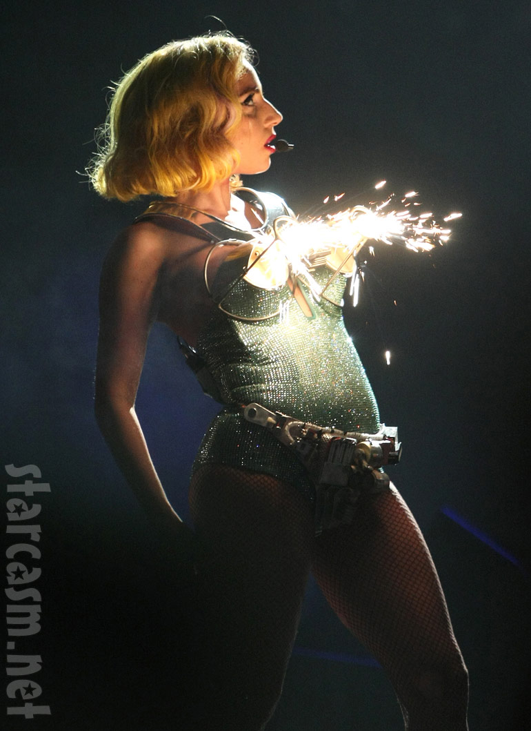 Concert Review Gaga The Great Lady Gaga Indianapolis In 71510