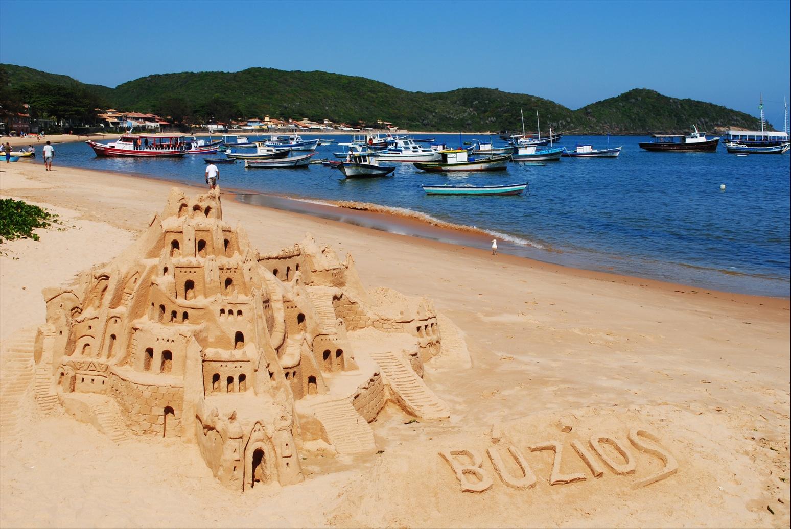 http://1.bp.blogspot.com/_cHZTePd5qy4/TQVIl-809DI/AAAAAAAAA8Q/FT-7EXhK214/s1600/Canto+Beach+Sandcastle+Buzios.JPG