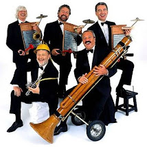 LES LUTHIERS (Argentina)