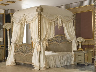 Bedroom Canopy on Royal Bedroom Furniture This Royal Bedroom Furniture Include Canopy