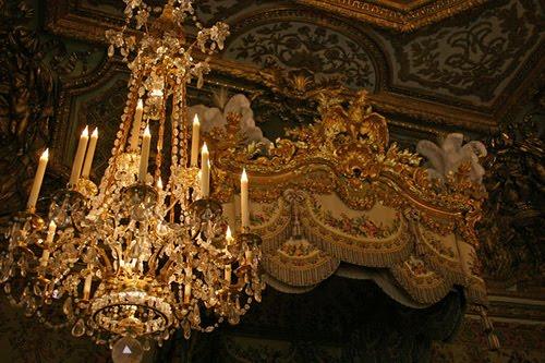 [Versailles-marie-bed.jpg]