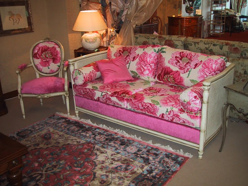 Antique & Italian Classic Furniture: French Country Living Rooms