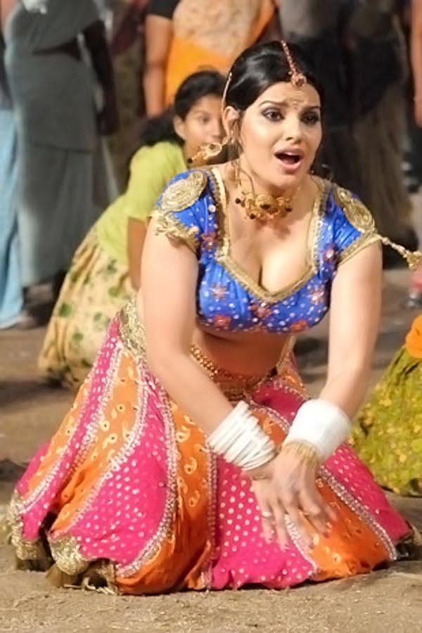 Madhu Sharma Hot