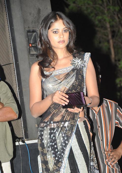 more bindhu madhavi in trasparent saree actress pics