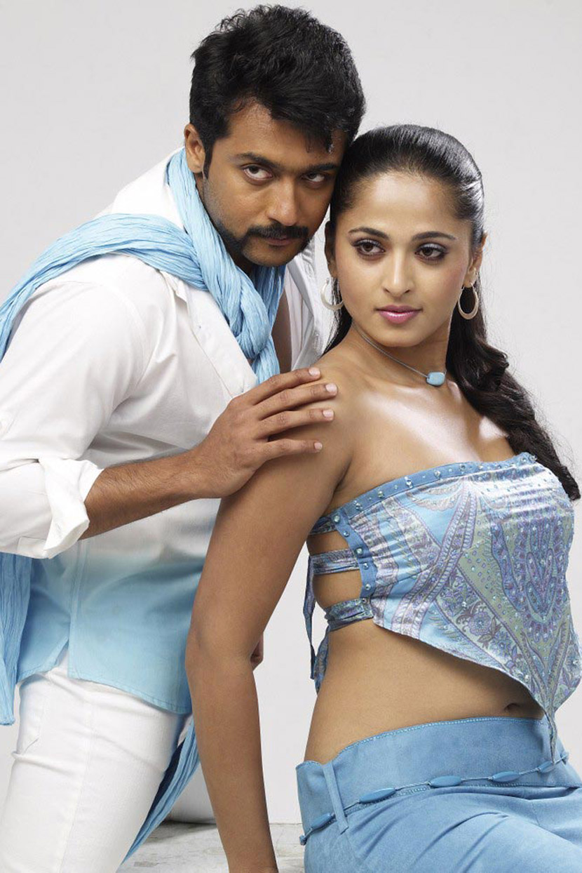 anushka hot with surya in singam