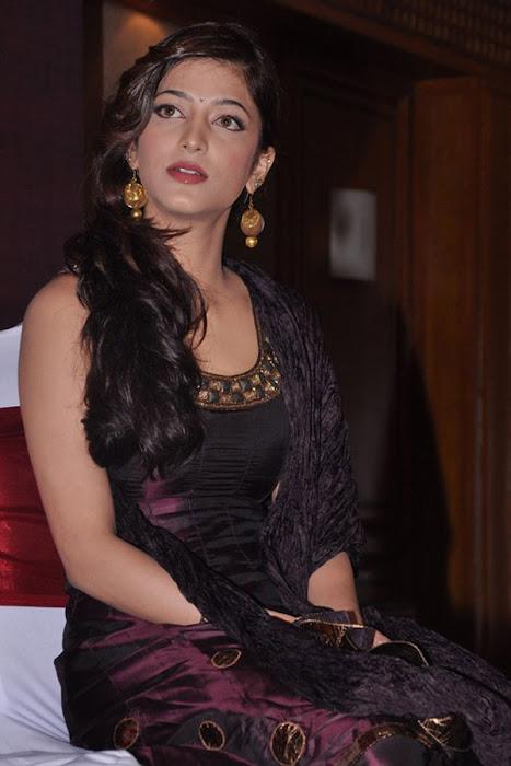 shruthi han new actress pics