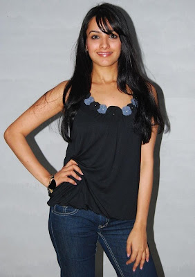 anita latest hot exposing stills gallery