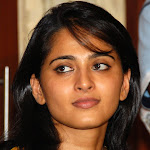Hot & spicy South Indian actress Anushka shetty