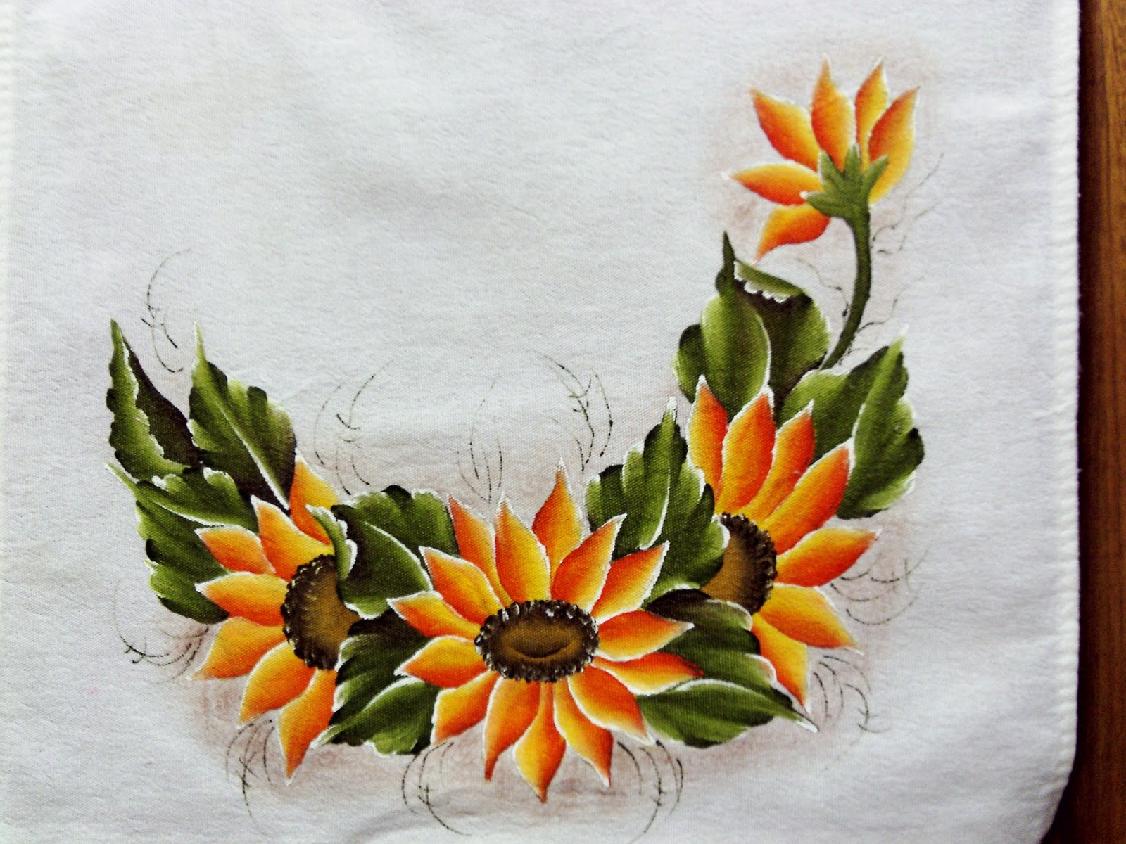 Aparador De Acrilico Transparente ~ Coisas da Nil Pintura em tecido girando ao sol