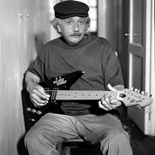 Einstein guitarrista