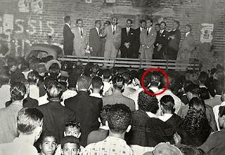 Comício onde Antonio Soares Neto coloca JK contra a parede com sua famosa pergunta