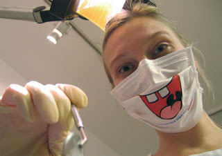 Máscara de dentista engraçada