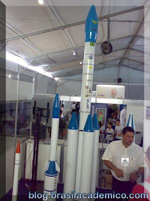 VLS - Veículo Lançador de Satélites (modelo em escala menor)