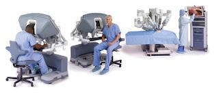 O robô-cirurgião com console duplo de operação