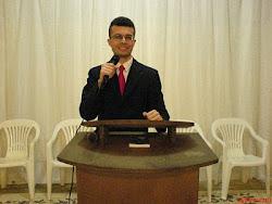 Pregando na Assembléia de Deus Fazenda do Yung