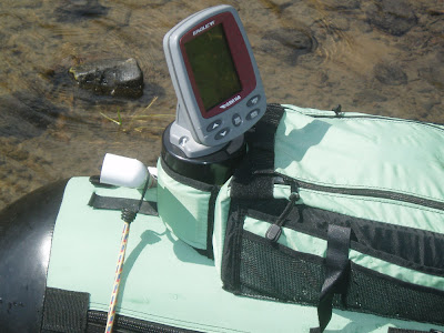 Nerolizubh mounting a fishfinder on a float tube for Float tube fish finder