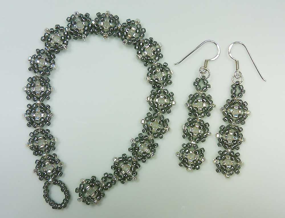 seed bead bracelet and earrings - Beaded Bracelet Design Ideas