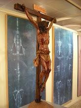 Nos preside un crucifijo