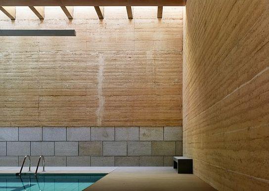 Vier en toro una piscina de tapial for Piscinas toro