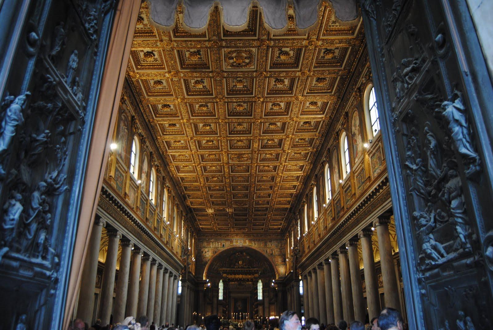 Santa Maria Maggiore: Gold Ceiling