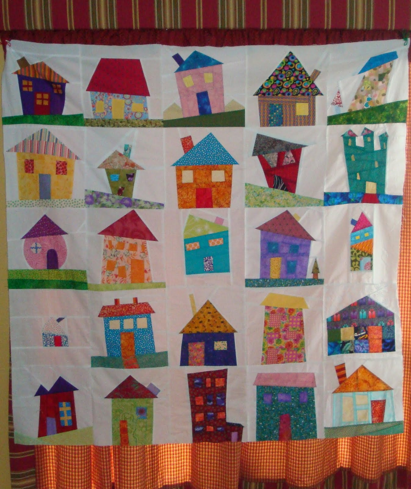 Free Quilt Patterns Of Houses : Simply Sandy: My Wonky House Quilt