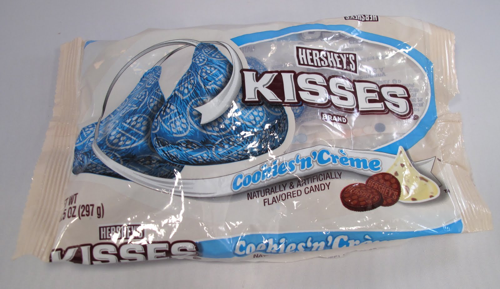 Obsessive Sweets: Hershey's Kisses Cookies 'n' Cream