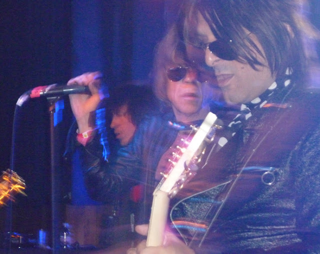 New York Dolls - David Johansen (middle) and Steve Conte (right) - wearing their Ray-Ban aviators