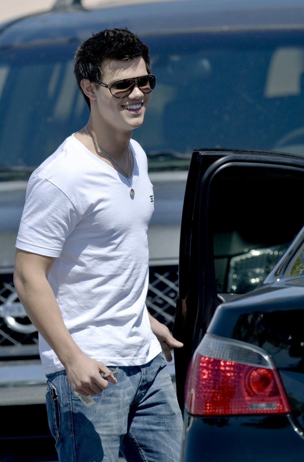 Taylor Lautner from Twilight wears Carrera Jocker sunglasses. Photo: Bauergriffin Olycom