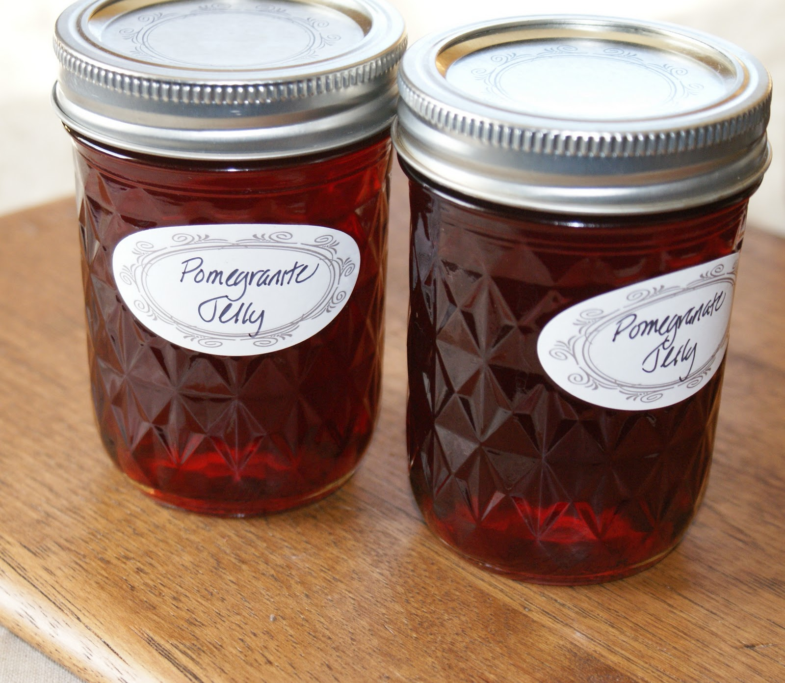 Authentic Suburban Gourmet: Pomegranate Jelly