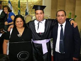 Papai e Mamãe na formatura Teologia.