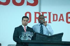 Conferencista Marcelo Melo e o Pr. Ralf na Igreja Avivamento de Deus ( Vila Maria)