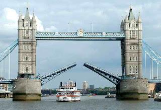 สะพาน ข้าม แม่น้ำ เท มส์