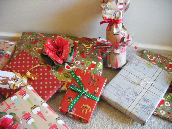 Jenna\'s Christmas Gift Wrapping & Decorations - My Life As A Magazine