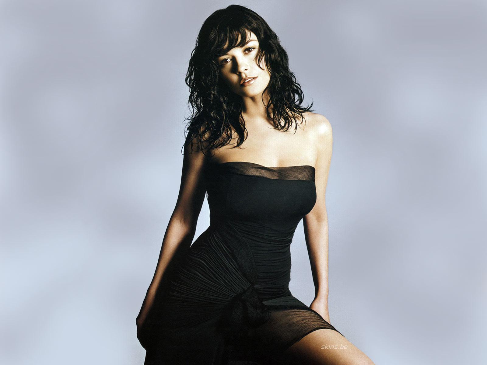 http://1.bp.blogspot.com/_cWyMIJyi6Fc/TMcb9lSXuOI/AAAAAAAADME/zchY_DM0wwA/s1600/Catherine+Zeta-Jones_1.jpg