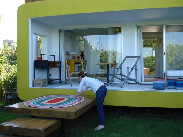 Puerta al sur como escoger el mejor color para una alfombra - Alfombra terraza ...